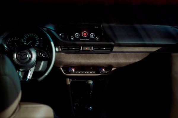 Mazda 6 - Interior 01